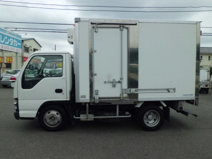 2t 冷凍車(ショート)準中型免許(7.5t未満)(5t未満)もございます