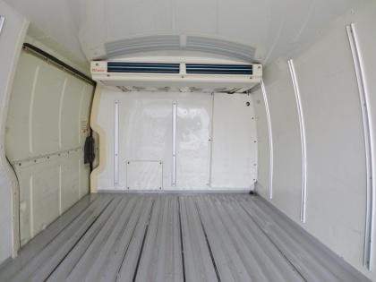 ハイエース冷凍車         普通免許で運転出来ます