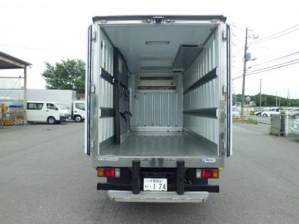 2t 冷凍車(ロング)  準中型(7.5t未満)免許で運転出来ます